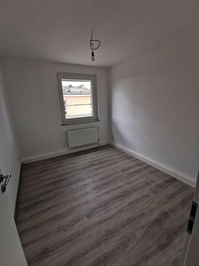 Erstbezug nach Kernsanierung / helle 4-Zimmer Wohnung / Zentral